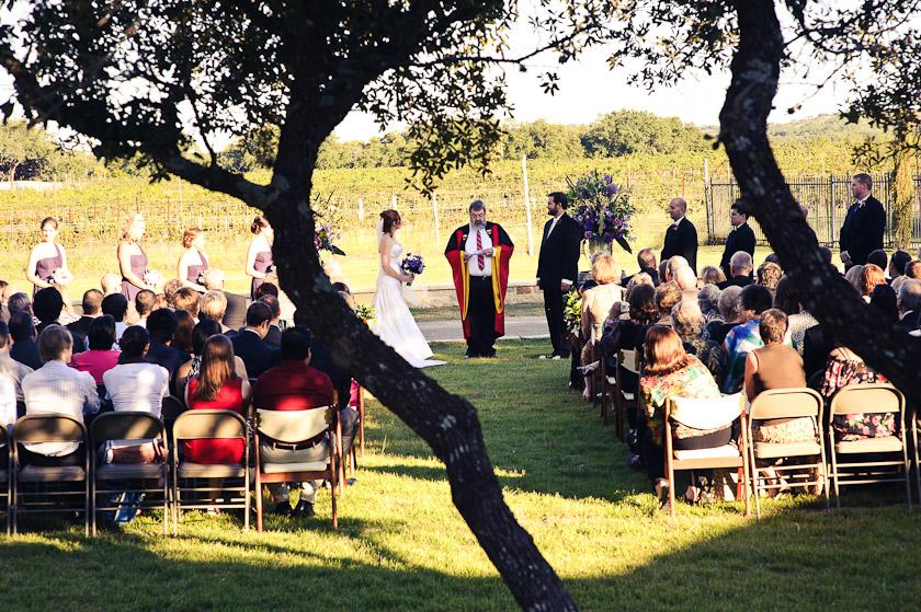 austin wedding photographer at spicewood vineyards texas