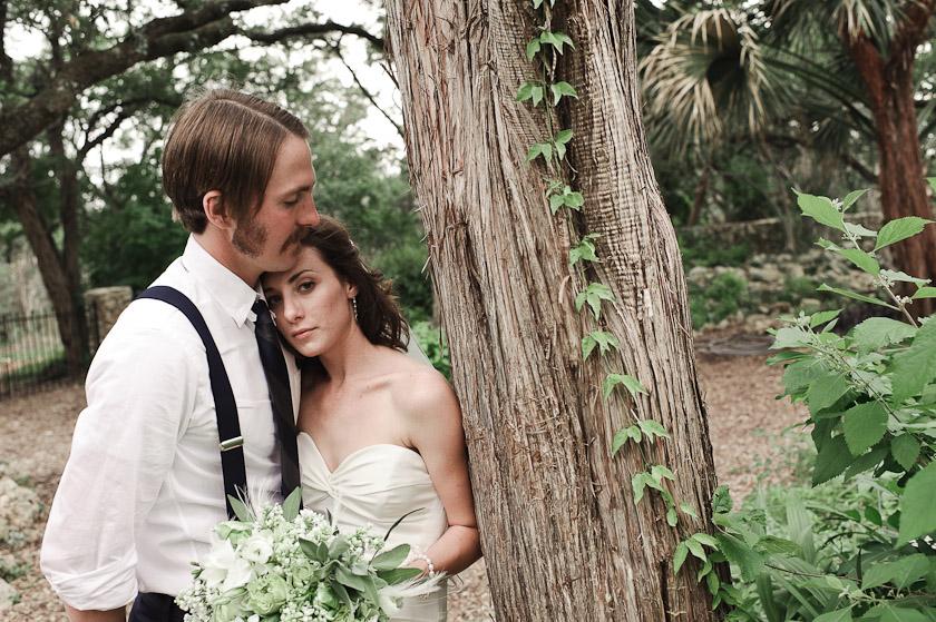 austin wedding photographer   with vines