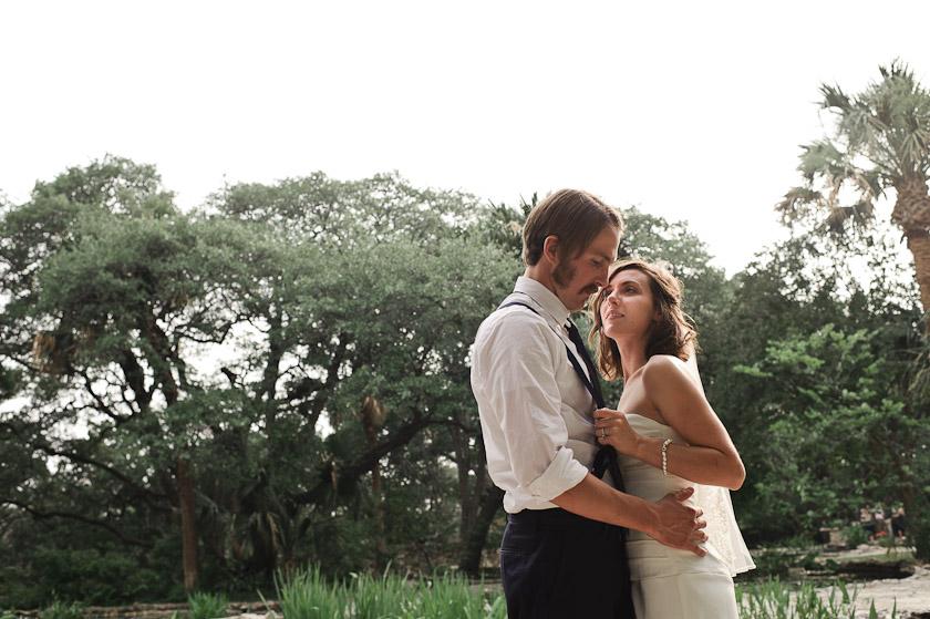 austin wedding photographer   bride and groom
