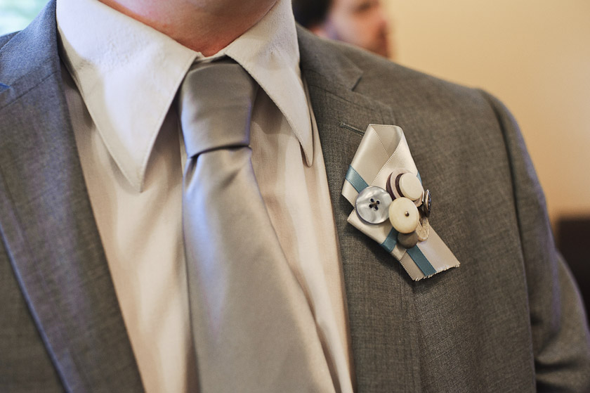 groom button boutteniere