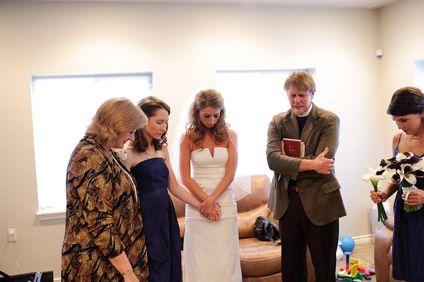 praying before wedding