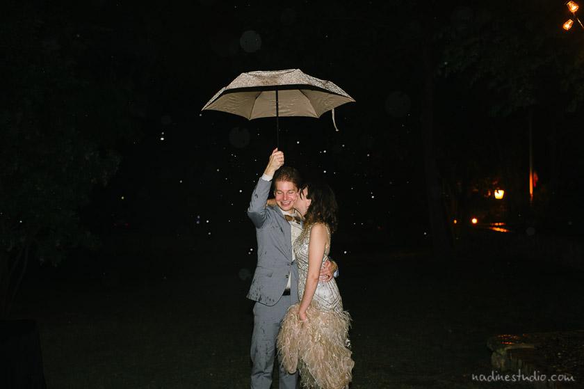 rain rainy wedding picture