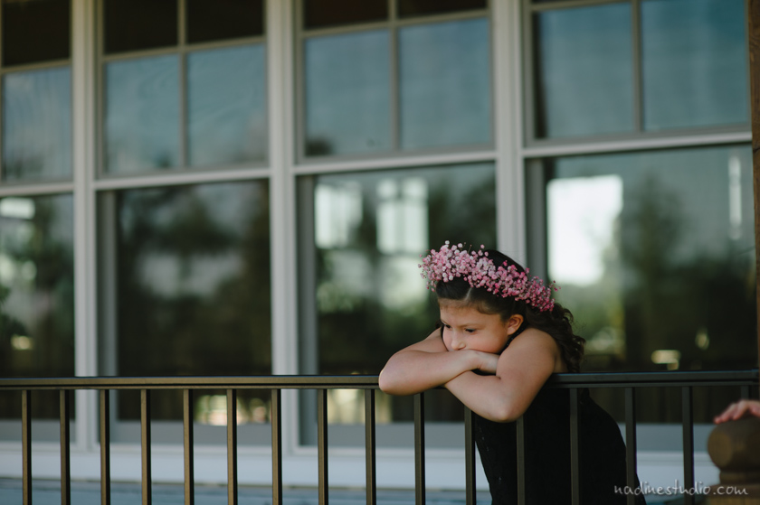 flower girl waiting