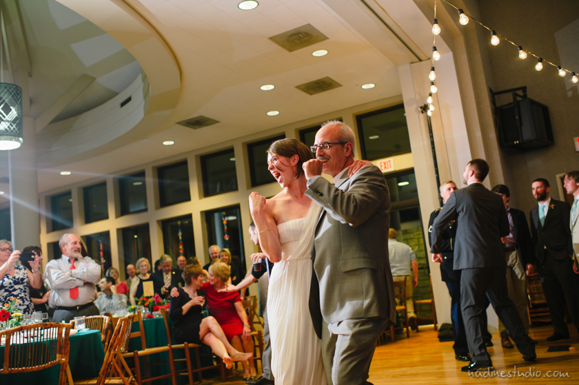 bride and father of bride fund dancing
