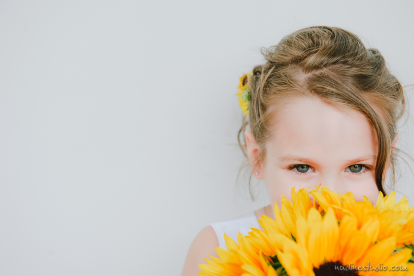 flower girl with yellow daisy