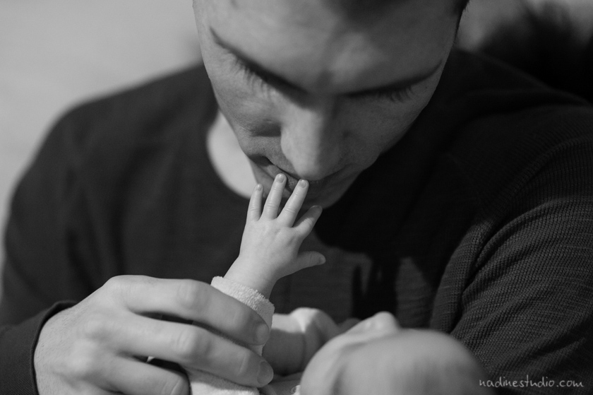 new ballet austin dad, baby reaching out to touch dad