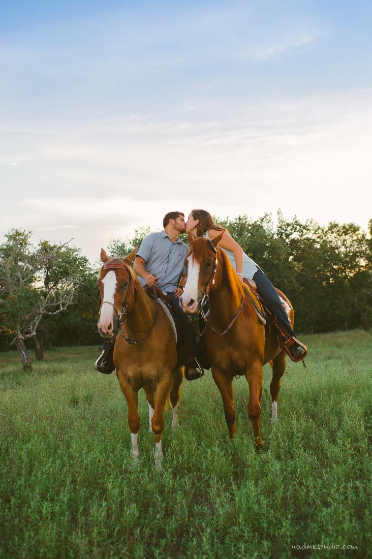 horses austin wedding photographers engagement
