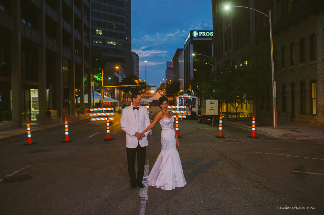 downtown austin portraits of couple