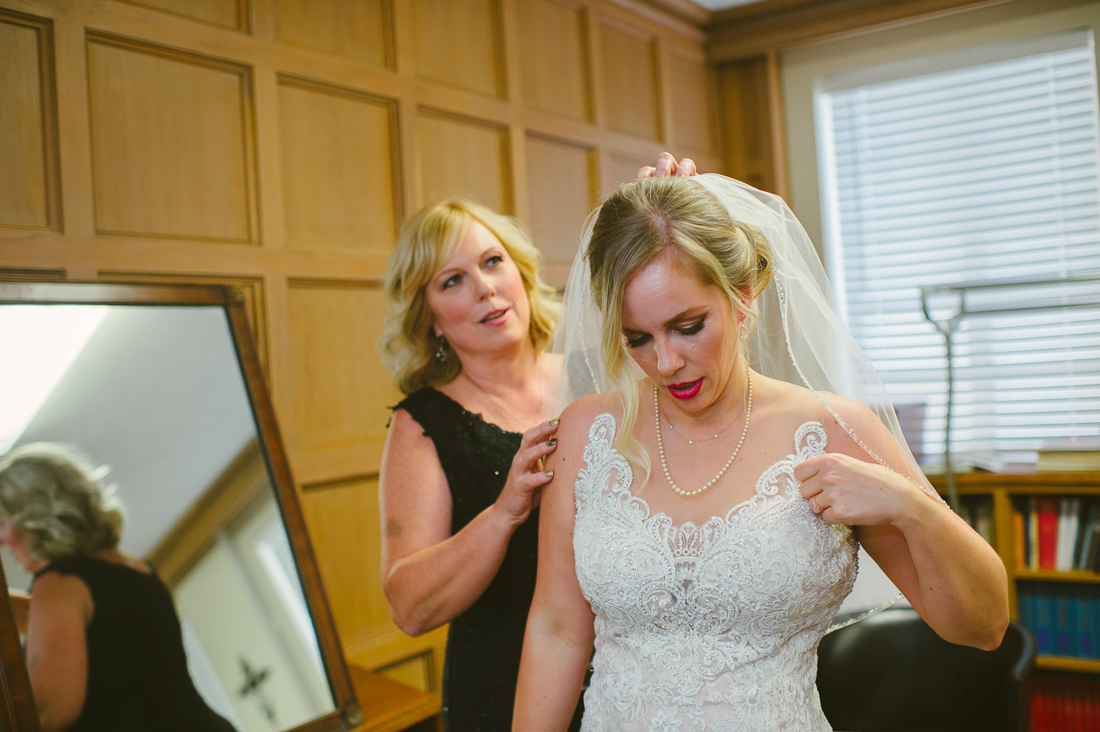 bride getting redy at university christian church