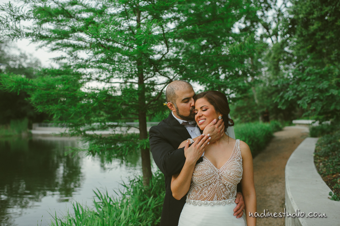 bride and groom at the lake in downtown austin